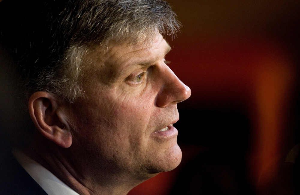 FRANKLIN GRAHAM SUPPORTS TRUMP'S MUSLIM IMMIGRATION BAN