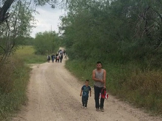 ILLEGAL IMMIGRANTS CROSS TEXAS BORDER